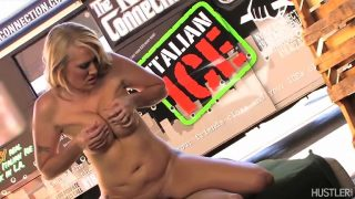 Attractive Meals Truck Proprietor Getting MILF Pussy Slammed With Alana Evans