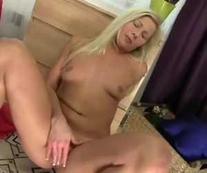 Scorching School Lady Intense Clit Rub