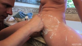 Sizzling Chick Shaving Her Tight Pussy With Samantha Ryan