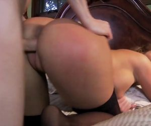 Phoenix Marie With Driving That Cock Like A Attractive Professional