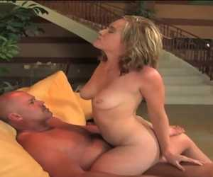 Blonde On Knees With Dick In Mouth With Naomi Cruise