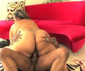 Fats Black Chick Getting Pounded With Jinger Jewels
