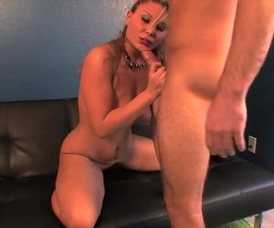 Hoodrat Spreading Thighs For Cock With Kendall Foxxx